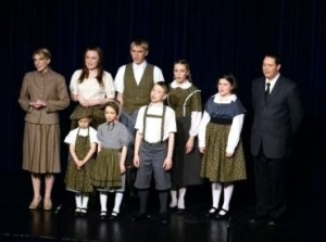 Maria, Captain and Children Singing Edelweiss