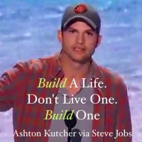 [Video] Ashton Kutcher Channels Steve Jobs At The Teen Choice Awards