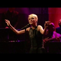 A Masterclass Performance Of Smile By Kristen Chenoweth On the Tonight Show With Jay Leno