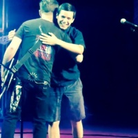 David Cook And David Archuleta's Heartwarming Reunion On Stage.